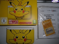 Nintendo 3DS XL - Pikachu Yellow mini1